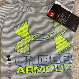 NWT Boys Under Armour Long Sleeve Top YM